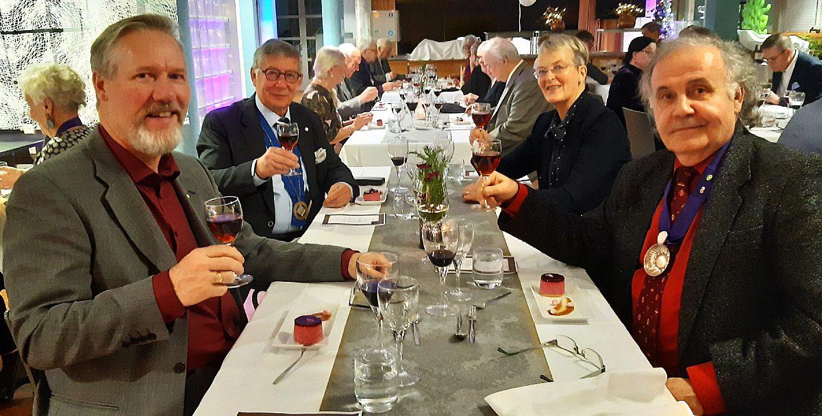 Joensuun juustoseuran ja viiniseura Munskänkankarnan vuosittainen illanvietto